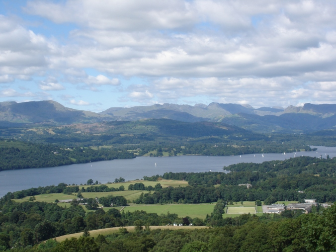 Windermere_Lake_District_from_hill